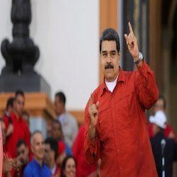 Maduro risponde a Macron accusandolo d'operare per la distruzione della Francia.