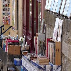 Montolieu-livres libri città villaggio lettori scrittori
